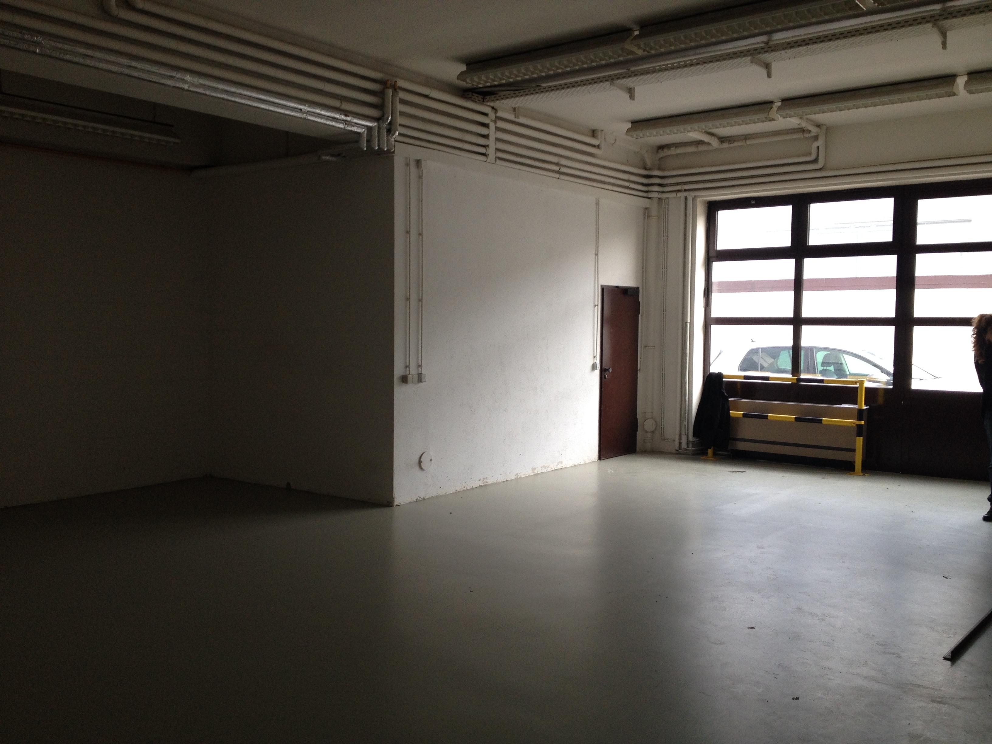 Im Eingangsbereich haben wie viel Tageslicht. Hier können künftig auch Workshops stattfinden.