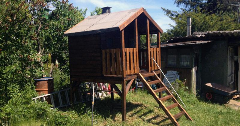 Kinder-Gartenhaus-Renovierung